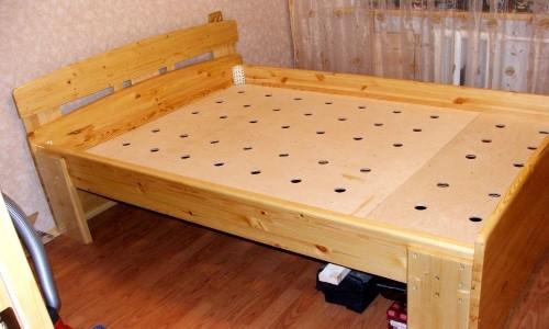 Кровать с основанием под матрас  из фанеры