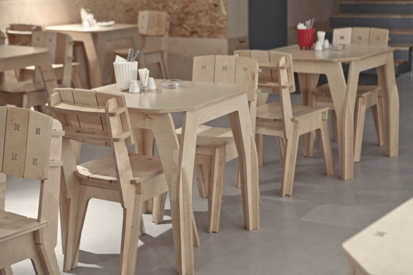 Пример столов из фанеры