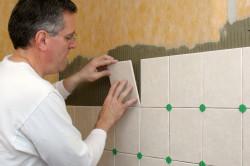 Укладка плитки на листы фанеры