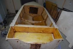 Старая обшивка фанерной лодки